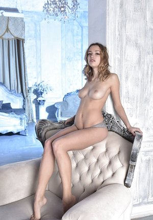 Erotic sweetie Maxa undressing to spread nude displaying perfect puny ass