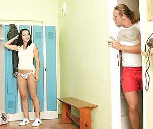 Free Girls Voyeur Porn Pictures