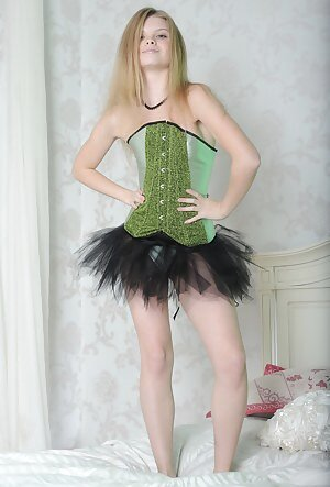 Free Girls Corset Porn Pictures