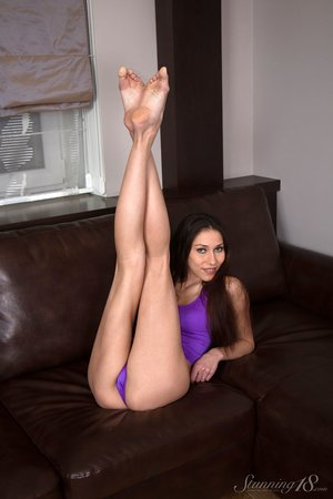 Skinny 18 year old girl shows off her amazing flexibility in the nud