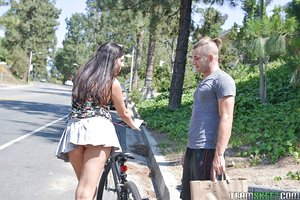 Pretty brunette cyclist Miranda Miller nailed by stranger for bicycle repairs