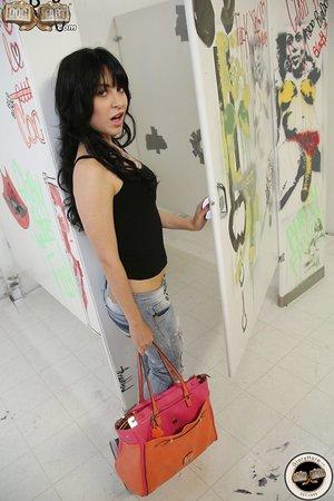 Super sexy brunette Sandra Luberc peels ripped denim for hot a gloryhole time