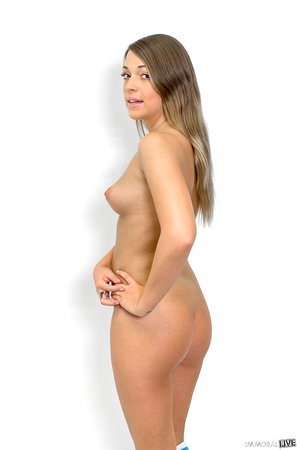 Teen cutie Jenna Leigh removes her gym clothes and flaunts her fit body