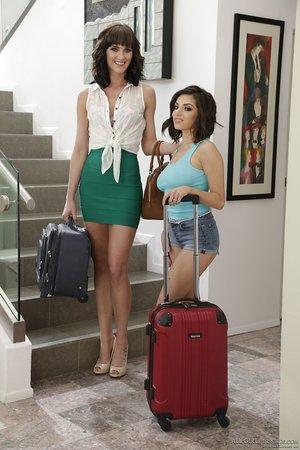 Leggy lady Darcie Dolce & stepdaughter Bianca Breeze go lesbian after rubdown
