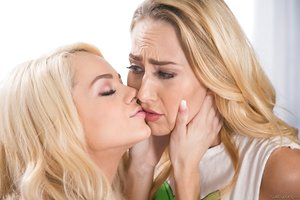 Young blonde damsels Carter Cruise & Elsa Jean have first lesbian encounter