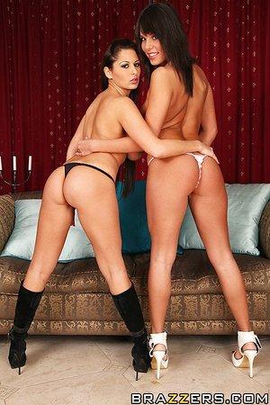 Karlie Montana enjoys a fervent lesbian threesome in the locker room