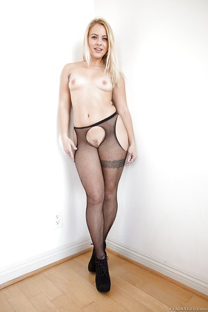 Tattooed girl Cameron Canada in splendid tights flaunting her huge ass