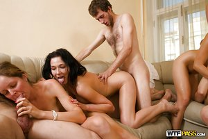 Lascivious coeds enjoy a groupsex with naughty and hung twinks