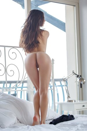 The goddess Gloria Sol shows off what means perfection posing nude in bedroom
