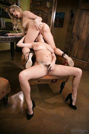 Hot job seeker Mia Malkova gobbles April O'Neil's hairy labia to land a plum job