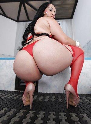 18+ big pussy
