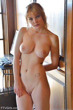 I want to see beautiful girls with 18+ big boobs photos