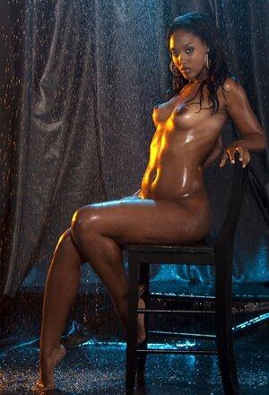 Hot ebony girl les sex pics