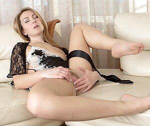 Finger sex girl pics