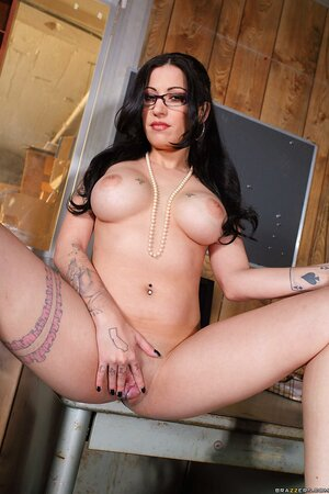 Pics xxx sex secretary