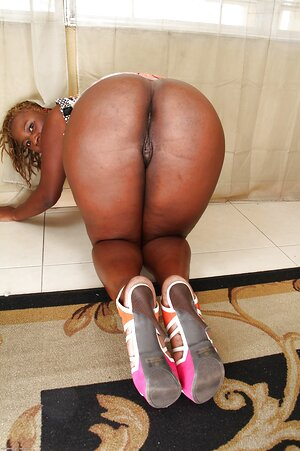 Black 18 spread pussy images
