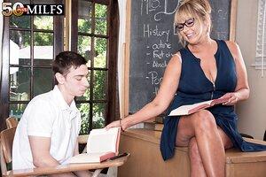 XXX photos girls teacher 18+
